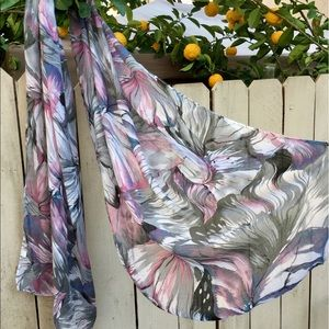 Womens scarf, perfect for any occasion.